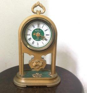 Часы настольные «Янтарь»