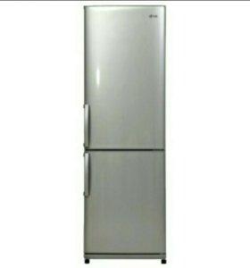 Абсолютно новый холодильник lg