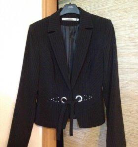 Пиджак школьный 44-46.