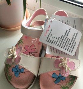 Новые сандали для девочки 🏃♀️