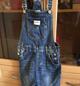 джинсовые комбинезон