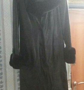 Продам женский кожаный(натуралка)плащ