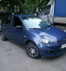 Ford Fiesta 2006 1.4 мт
