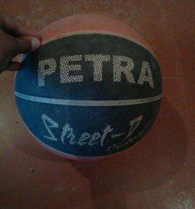 Баскетбольный мяч фирмы PETRA®
