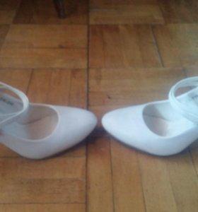 Туфли одевались 2 раза на свадьбу