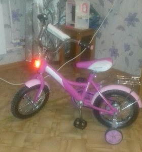 Продаю велосипед детский возраст 3-5лет