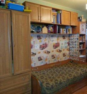 Кровать со шкафом и стелажами