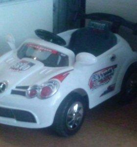 Детский автомобиль.