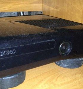Продам Xbox 360 с кинектом freebot 250G 2 джостика