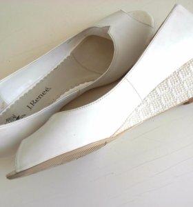 Лакированные кожаные женские туфли