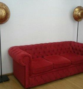 Стильный презентабельный диван
