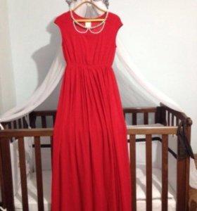 Платье длинное в пол одела один раз в идеальн.сост