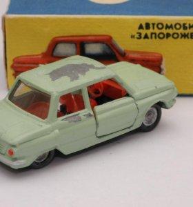Оригинальная модель автомобиля Запорожец ЗАЗ-968