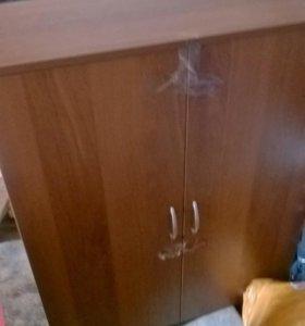 Навесный/напольный шкаф с полками внутри