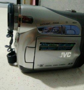 Видеокамера JVC GR-D290E