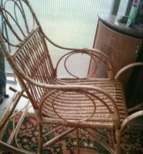 Кресло качалка из ратанга