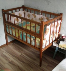Кроватка детская с матрацем.