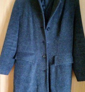 Продам женское пальто. 44-46 размер