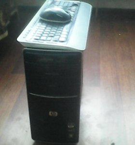 Системный блок,клавиатура,мышь и веб камера.