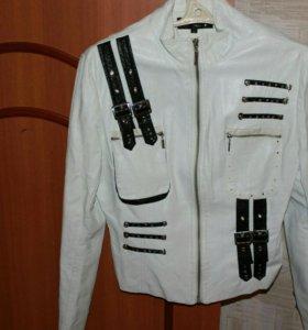 Куртка б/у р.46