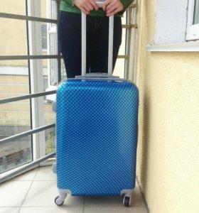 Чемодан пластиковый синий с принтом (M)