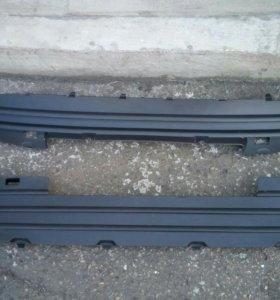 Заглушка решетки радиатора Пежо 308 408