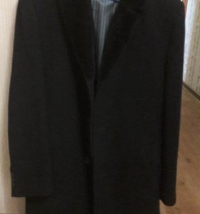 Фирменное мужское пальто 50 размер