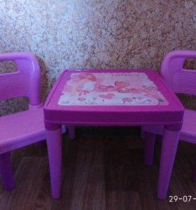 Детский столик со стульчиками