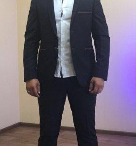 костюм(брюки,пиджак)