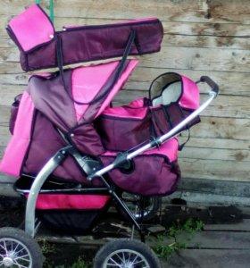 Продаётся коляска для двойняшек.