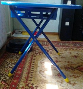 Детский столик.