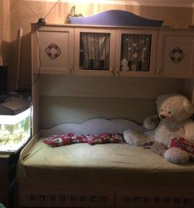 Детская кровать с пеналом