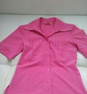 Блузка новая розовая со стразами