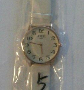 Наручные часы,новые