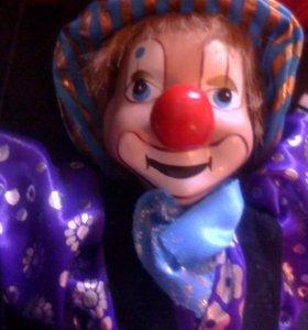 Фарфоровый клоун марионетка