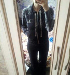 Велюровый костюм D&G со стразами