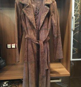 Замшевое пальто- плащ