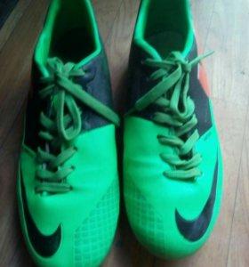 Бутцы футбольные Nike