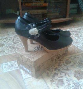 Туфли женские (новые ).