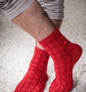 Носки мужские вязаные красные