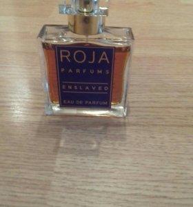 Роскошный пудровый  аромат Roja Enslaved