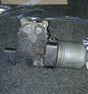 Моторчик стеклоочистителя с кронштейном