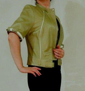 Кожаная куртка жилетка безрукавка