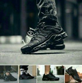 Новые кроссовки мужские  46 размер