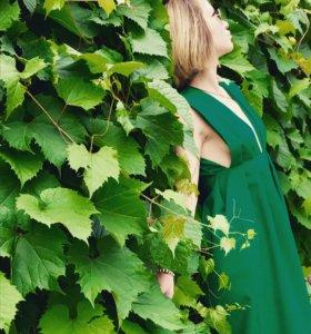 Платье зелёное, приталенное