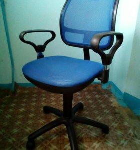 Компьютерное (офисное) кресло
