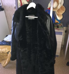 Кожаное пальто на натуральном меху
