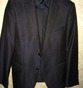 Костюм (пиджак, брюки)