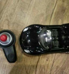 Машинка на пульте управления.