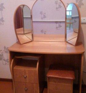 Продам макияжный столик